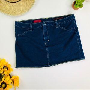 cee095648c320  AG   The Banda  Mini Jean Skirt Size 6 28